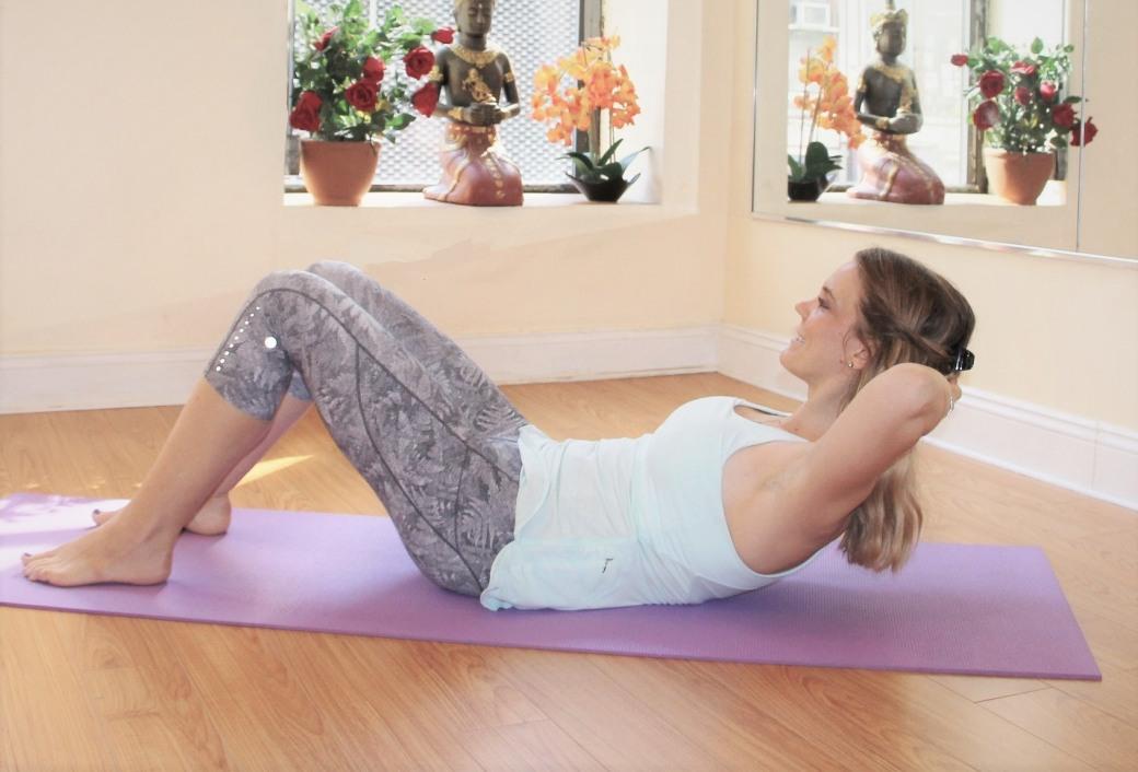 Пилатес для начинающих в домашних условиях: ТОП упражнений