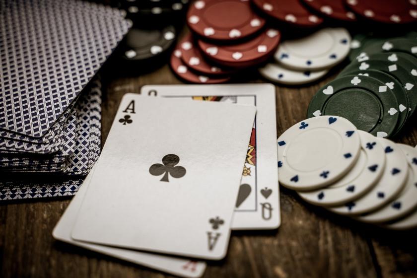 Обучающее видео онлайн покер играть в карты в пасьянс паук бесплатно без регистрации